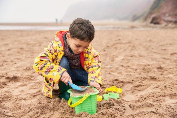 2018_04_09_Iris_haven_Devon-Cliffs-Day-1_Shot-2-Beach_2020.jpg - Haven Holidays – Autumn / Winter - Jack Terry